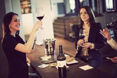 2. Visita + Degustación de Vinos y Quesos